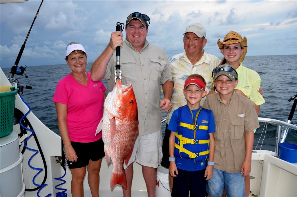 gulf-shores-family-fishing-catching-red-snapper