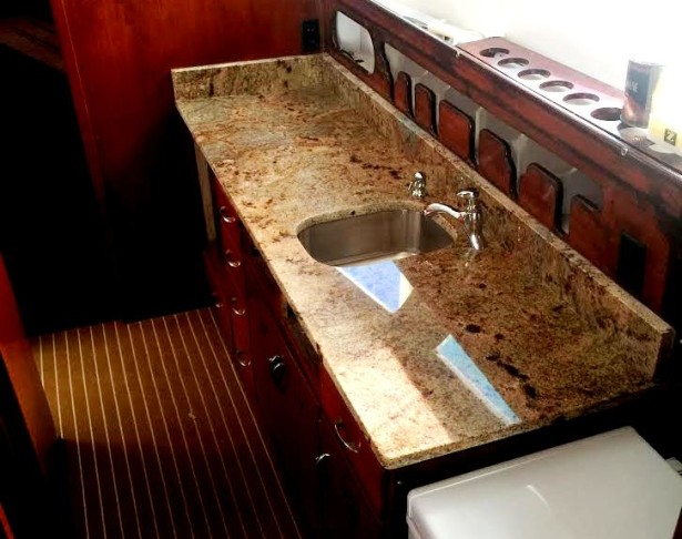 charter-boat-with-granite-counter