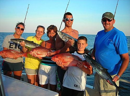 Bowfishing Master enjoys family fishing in Orange Beach