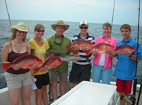 Texans come to Alabama to  Red Snapper fish on Distraction